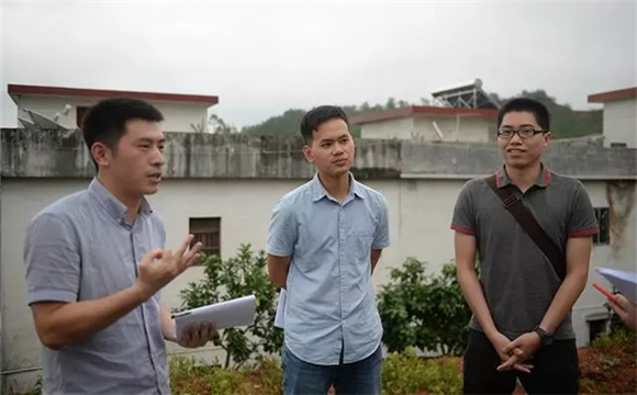 Three GPHL employees' dedication to poverty relief in Meizhou
